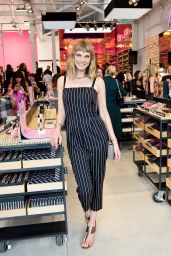 Angela Lindvall - Smashbox Venice Store Opening in Venice, CA 07/13/2017