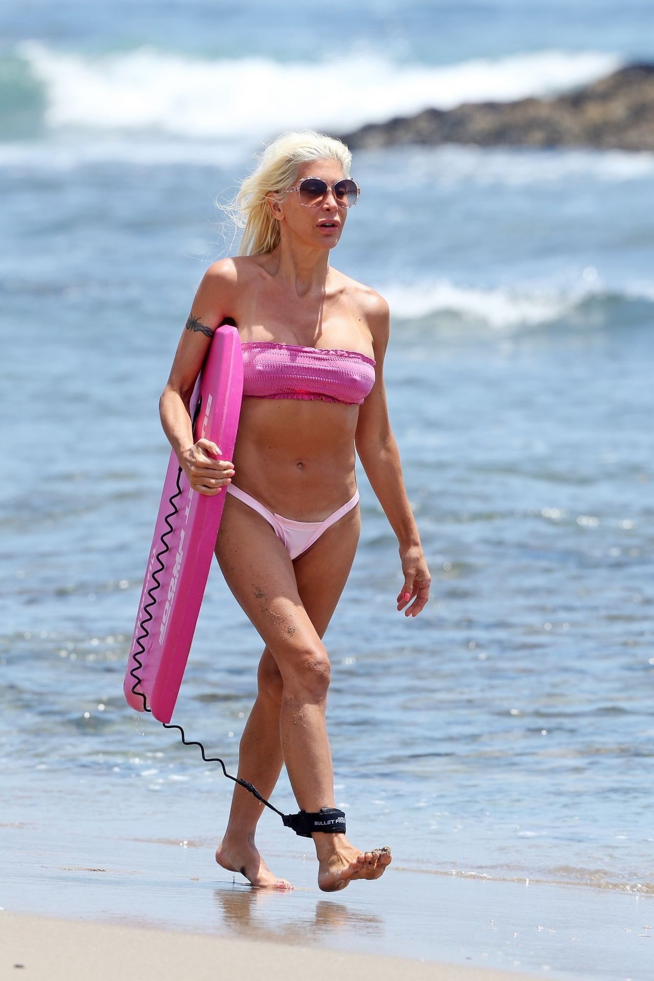 72a24e6005 Angelique Morgan in a Pink Bikini - Malibu Beach 07 06 2017