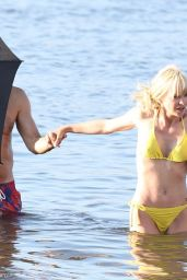 "Anna Faris in Bikini - ""Overboard"" Set in Vancouver 06/28/2017"