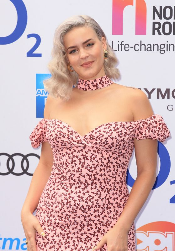 Anne-Marie - Nordoff Robbins O2 Silver Clef Awards in London 06/30/2017