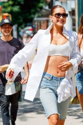 Bella Hadid - Steps Out For Lunch in NYC 07/20/2017