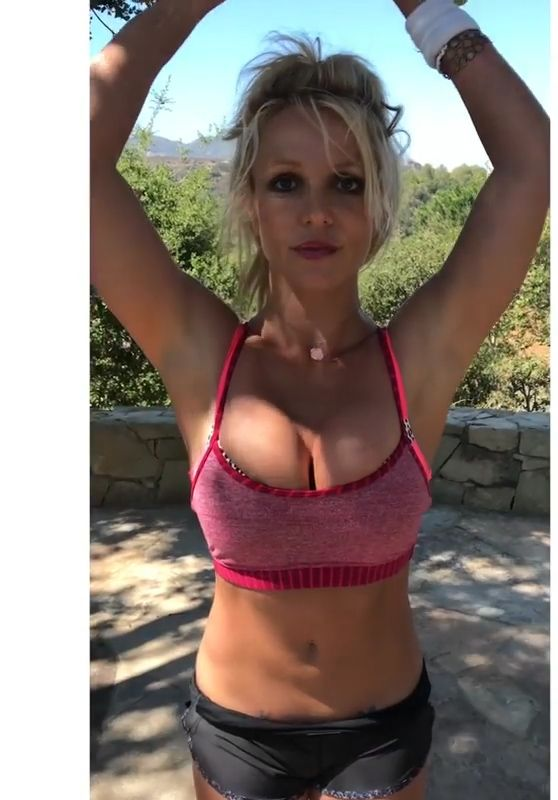 Britney Spears - Exercises, July 2017