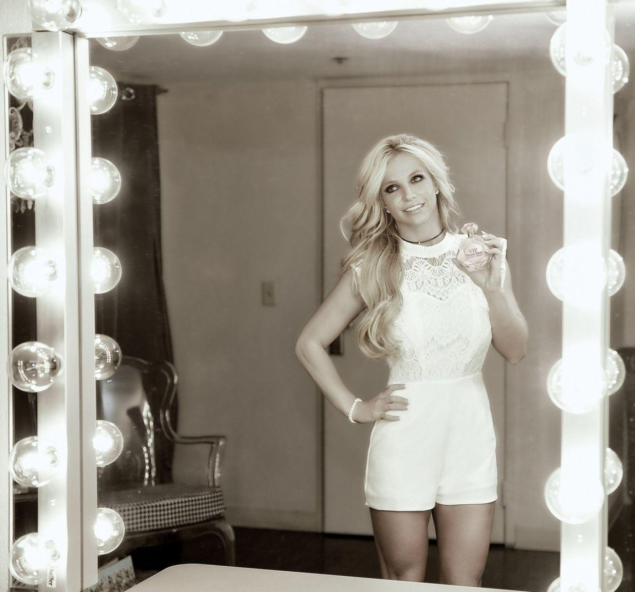 Britney Spears - VIP Private Show Fragrance Promo ...