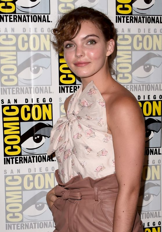 Camren Bicondova - Gotham Press Line at Comic-Con in San Diego 07/22/2017