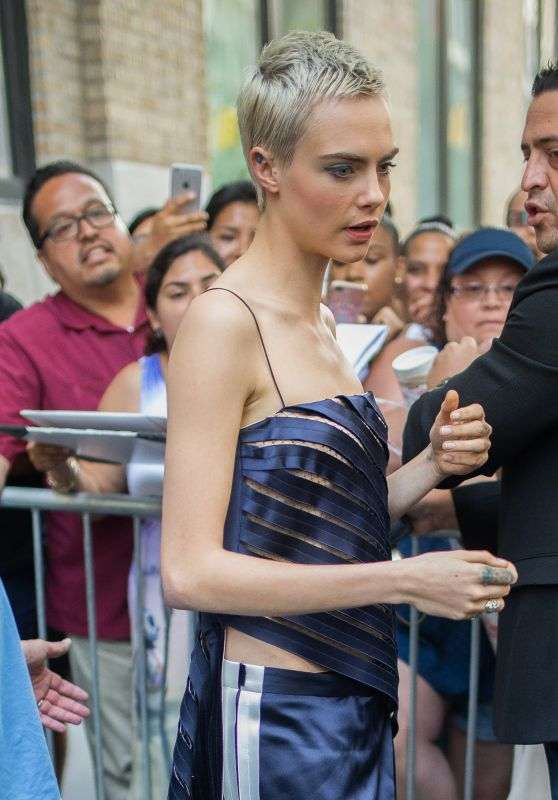 Cara Delevingne - Arrives the Apple Store in Soho in NYC 07/21/2017