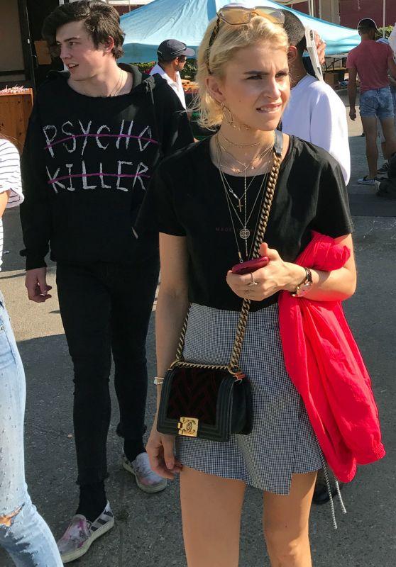 Caroline Daur - Leaving a Hollywood Flea Market 07/30/2017