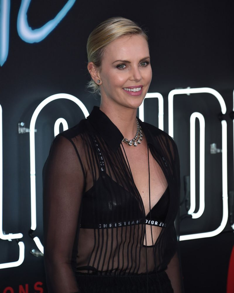 """Charlize Theron Ny Blondes: """"Atomic Blonde"""" Premiere In Los Angeles"""