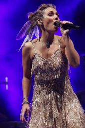 Clare Bowen - Performs Live at The Enmore State Theatre in Sydney 07/09/2017