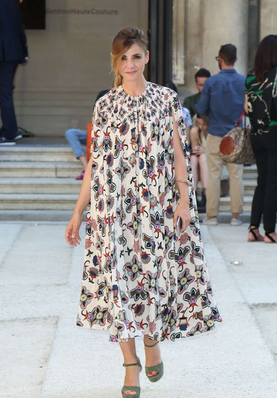 Clotilde Courau - Valentino Fashion Sshow FW 2017 in Paris 07/05/2017