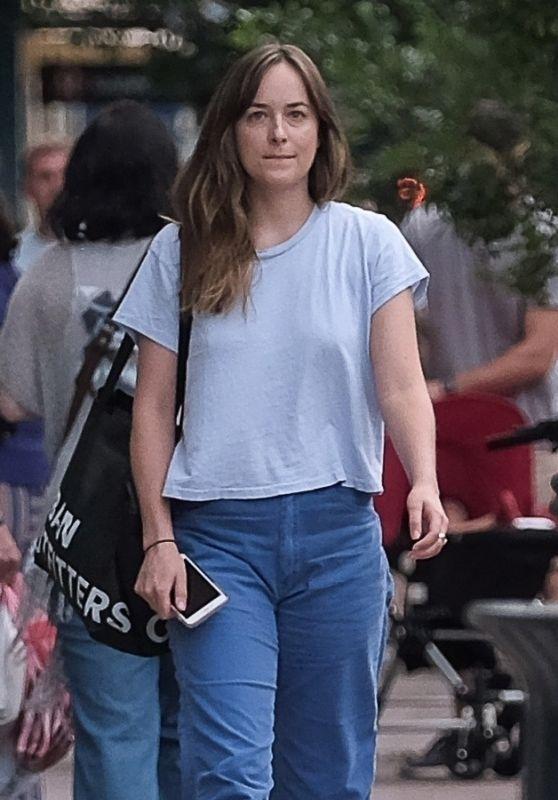 Dakota Johnson Street Style - Savannah, GA 07/16/2017