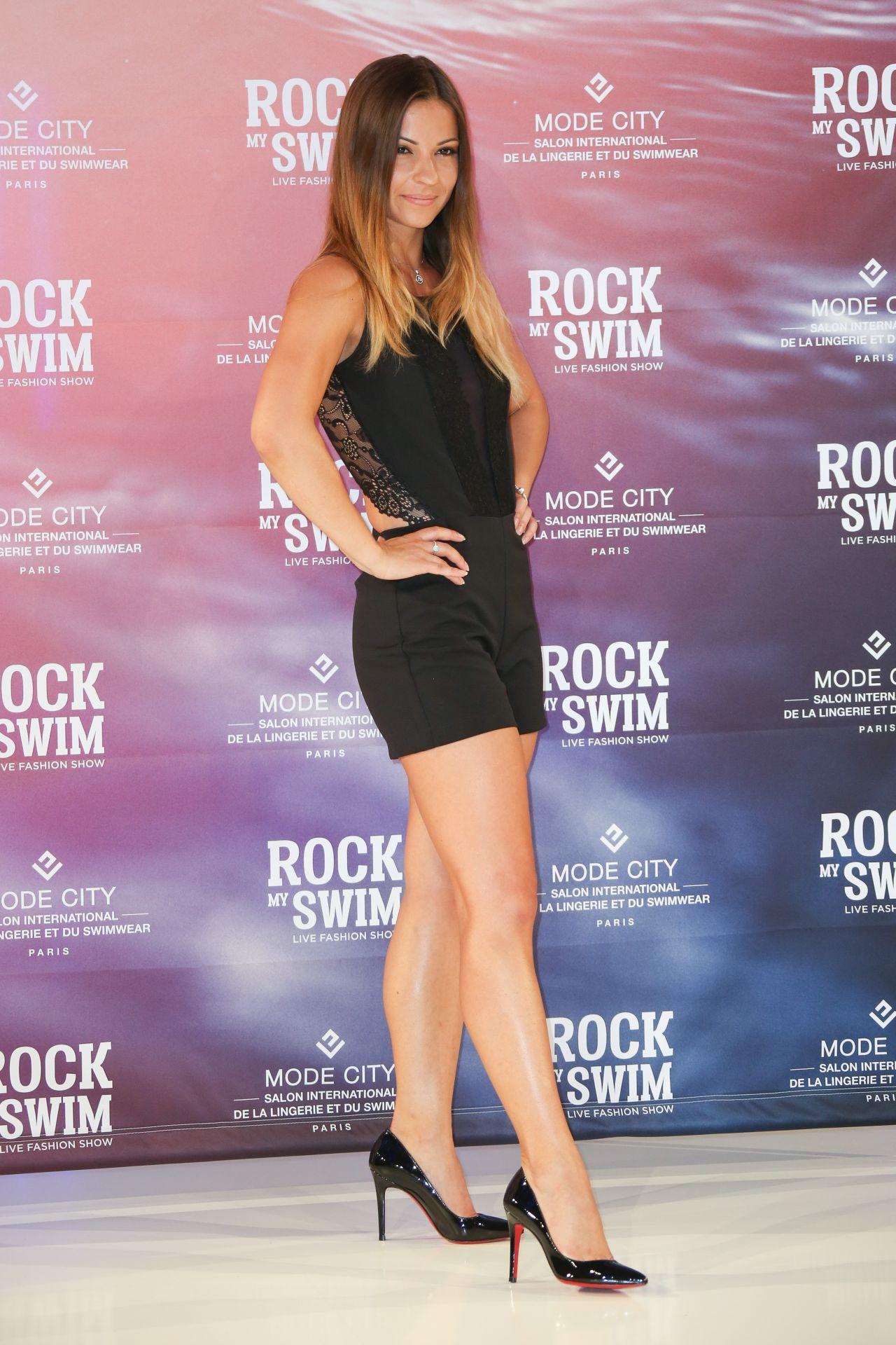 Denitsa ikonomova rock my swim show in paris 07 08 2017 for Where to swim in paris
