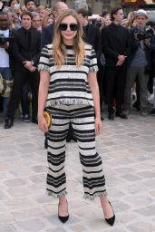 Elizabeth Olsen – Christian Dior Fall Winter 2017 Show in Paris 07/03/2017