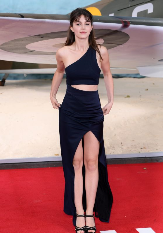 "Ella Hunt on Red Carpet - ""Dunkirk"" World Premiere in London 07/13/2017"