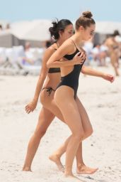 Elsie Hewitt - Wears a Black Swimsuit at the Beach in Miami Beach 07/25/2017