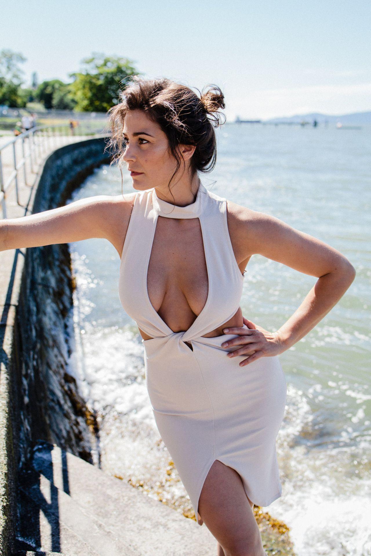 Paparazzi Elysia Rotaru nude photos 2019