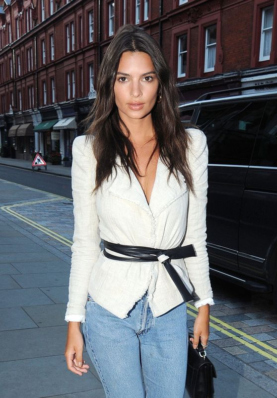 Emily Ratajkowski Style - at the Chiltern Firehouse in London 07/02/2017