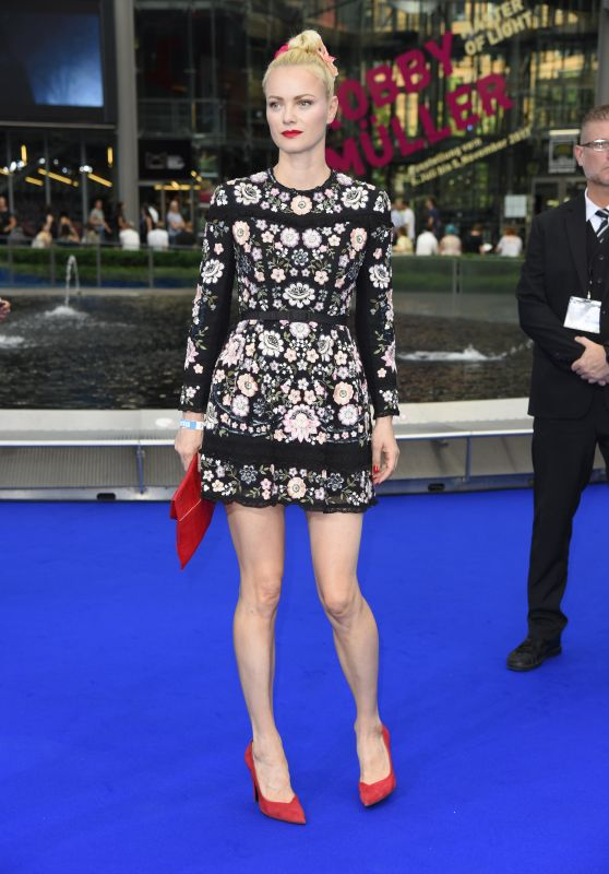 """Franziska Knuppe – """"Valerian and the City of a Thousand Planets"""" Premiere in Berlin 07/19/2017"""