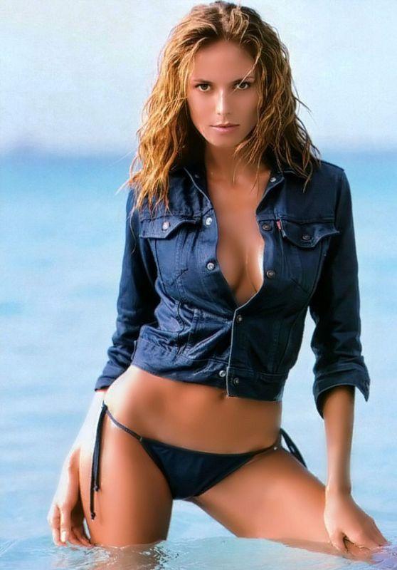 Heidi Klum Bikini Pics - Sports Illustrated (2000)