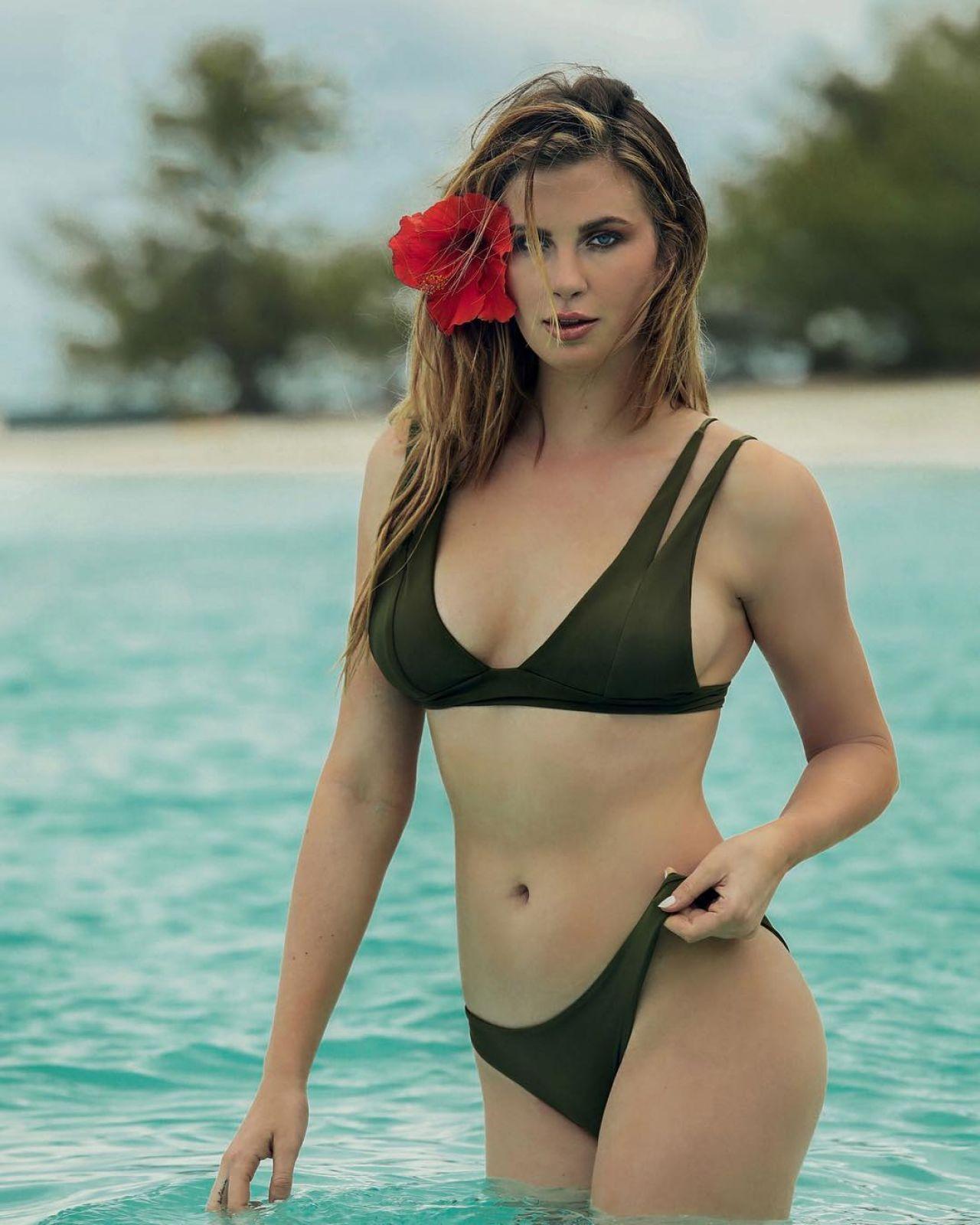 Excited irish in bikinis