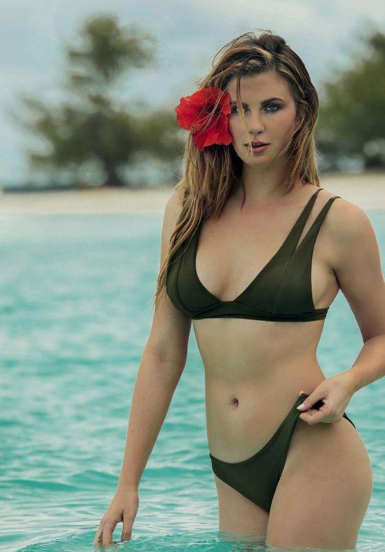Ireland Baldwin in Bikini - Social Media Pics 07/11/2017