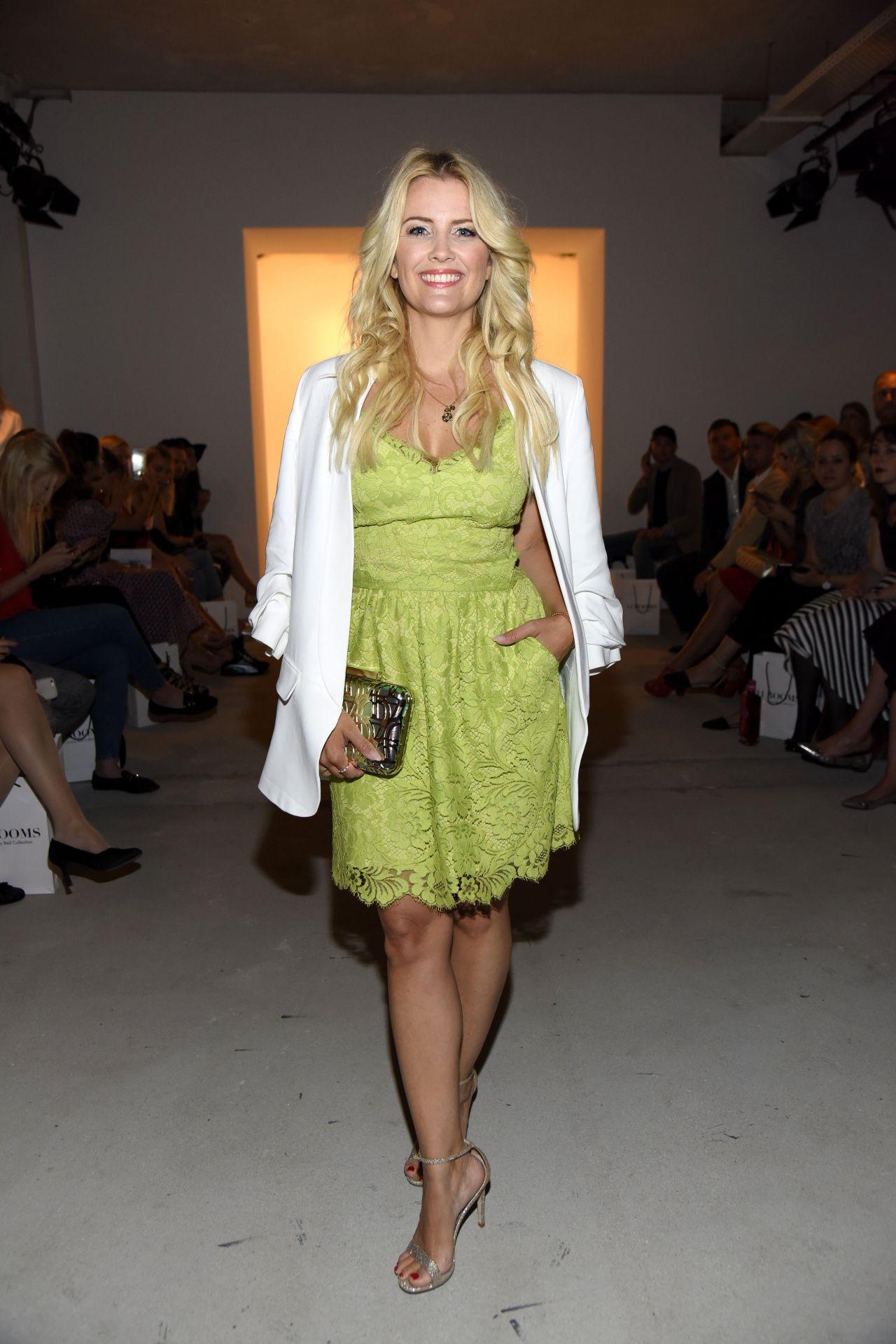 Jennifer kn ble ewa herzog show mercedes benz fashion for Mercedes benz fashion week