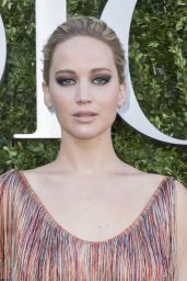 Jennifer Lawrence at Christian Dior Photocall - Haute Couture Fashion Week 07/03/2017