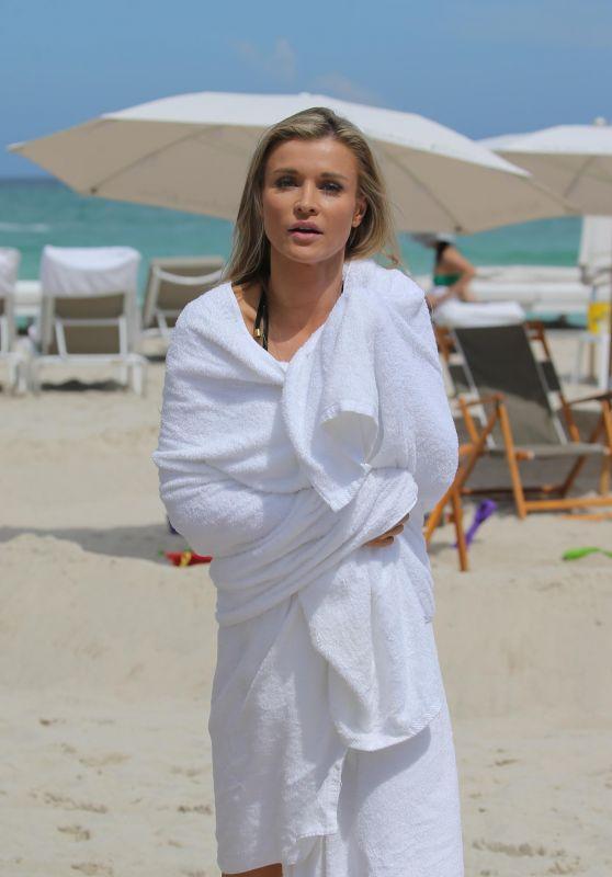 Joanna Krupa - Beach in Miami, FL 07/11/2017