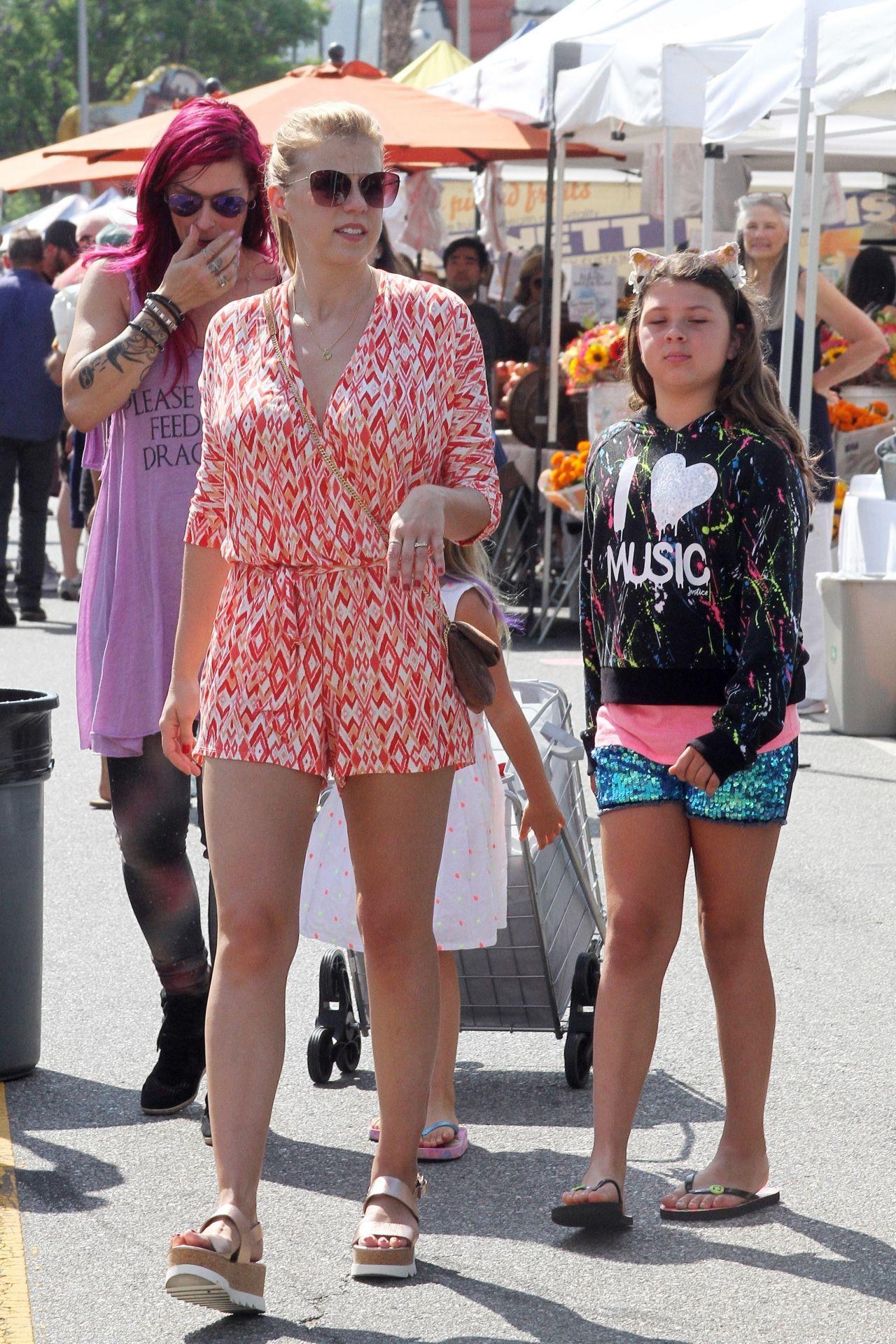 Jodie Sweetin Summer Street Style