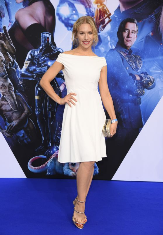 """Julia Dietze – """"Valerian and the City of a Thousand Planets"""" Premiere in Berlin 07/19/2017"""