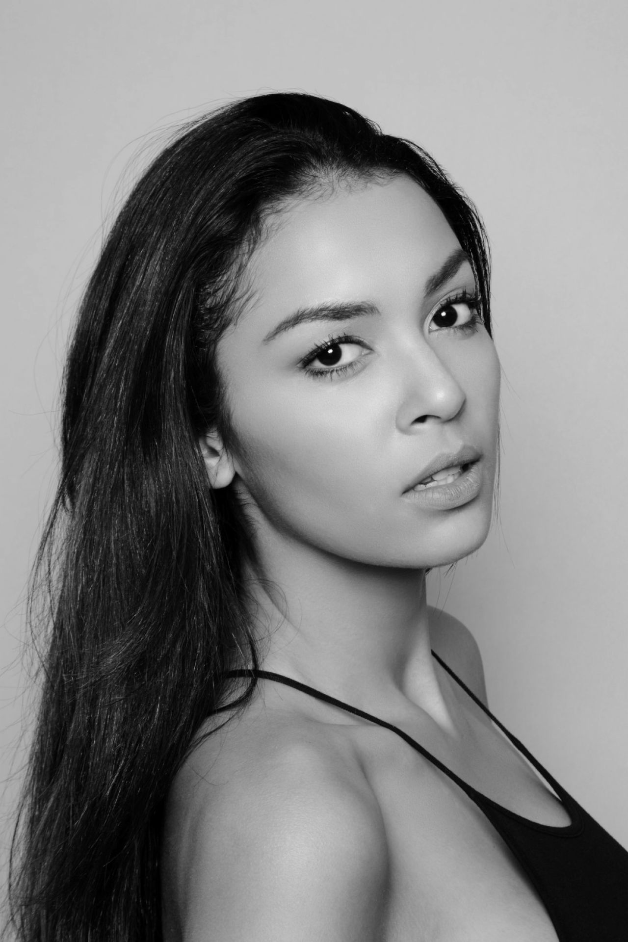 julianne-britton-physical-modelos-photoshoot-2017-3.jpg (1280×1920)