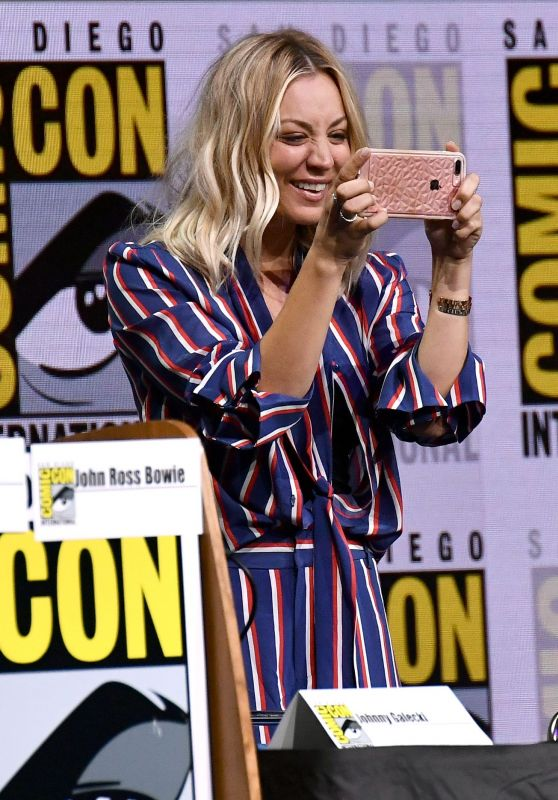 "Kaley Cuoco - ""The Big Bang Theory"" TV Show Panel at Comic-Con in San Diego 07/21/2017"