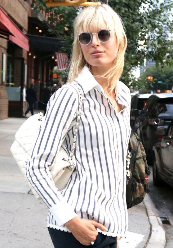 Karolína Kurková Outfit Ideas - New York City 07/11/2017