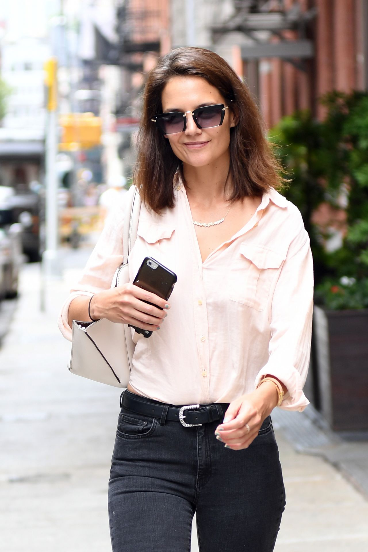 Katie Holmes Casual St...