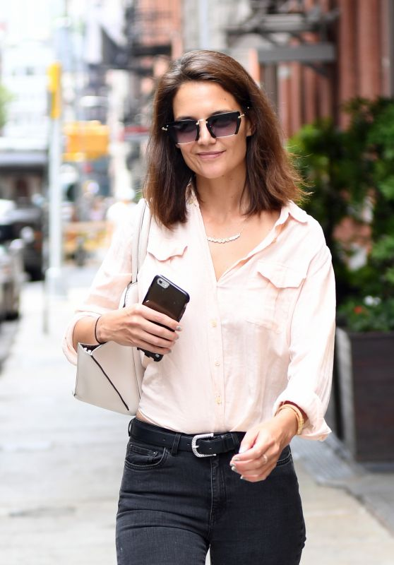Katie Holmes Casual Style - Soho in New York City 07/26/2017