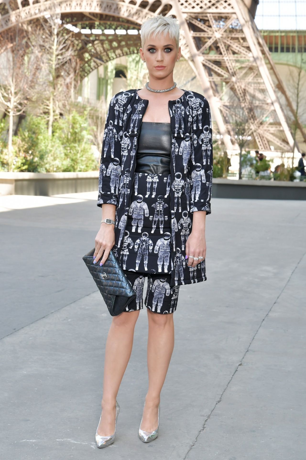 Paris Fashion Week Street Style Spring 2015: Chanel Show At Haute Couture Paris Fashion
