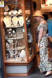 Katy Perry Summer Street Style - Out in Amalfi, Italy 07/16/2017