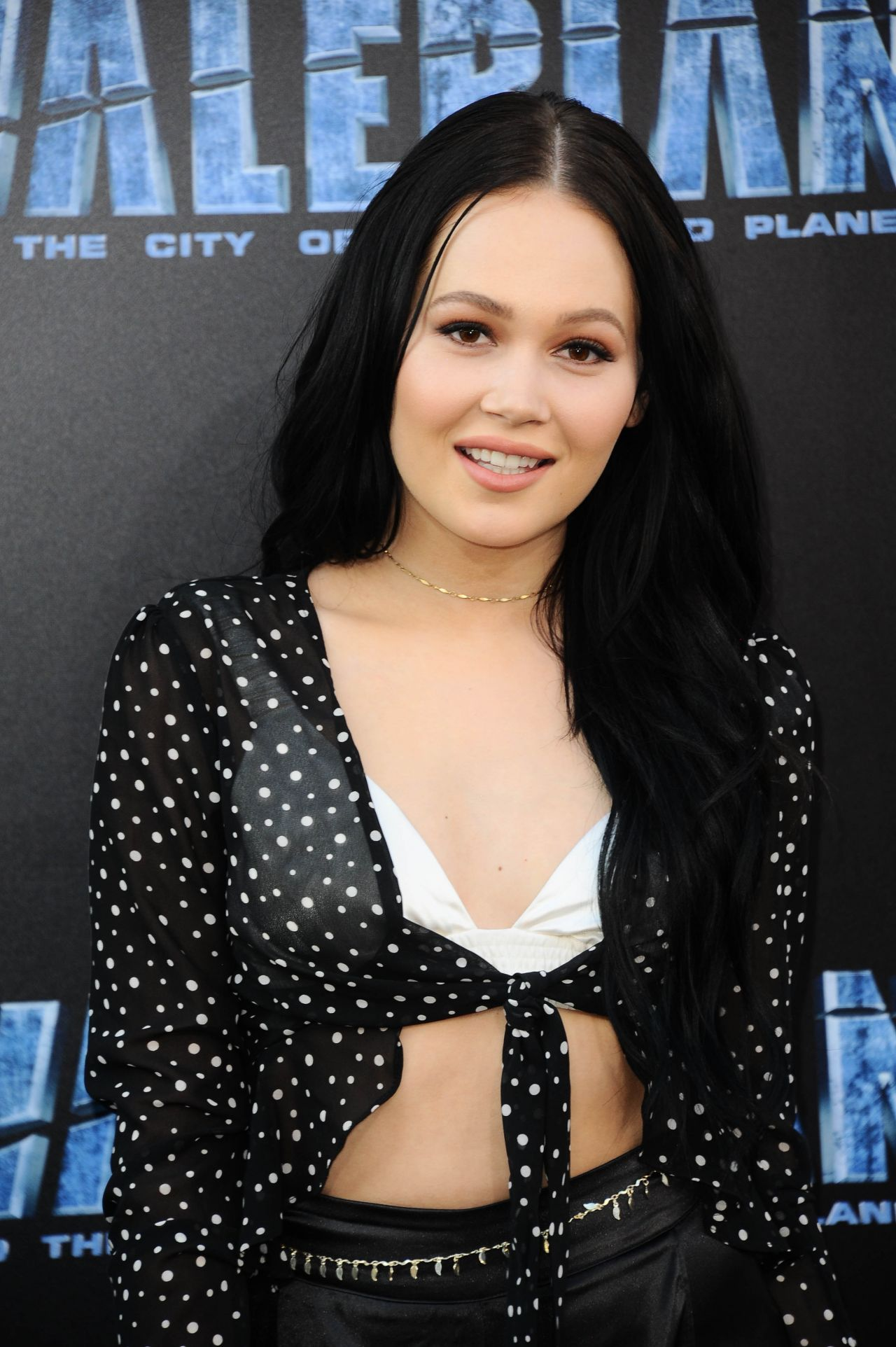 "Kelli Berglund – ""Valerian and the City of a Thousand ... Kelli Berglund Photoshoot 2017"