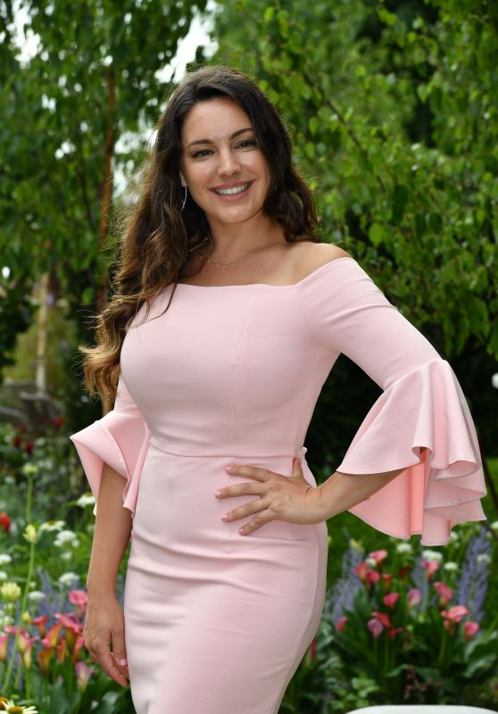 Kelly Brook – Hampton Court Flower Show in London 07/03/2017