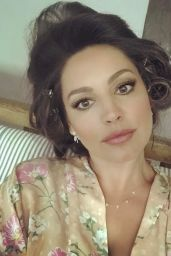 Kelly Brook - Social Media Pics 07/17/2017