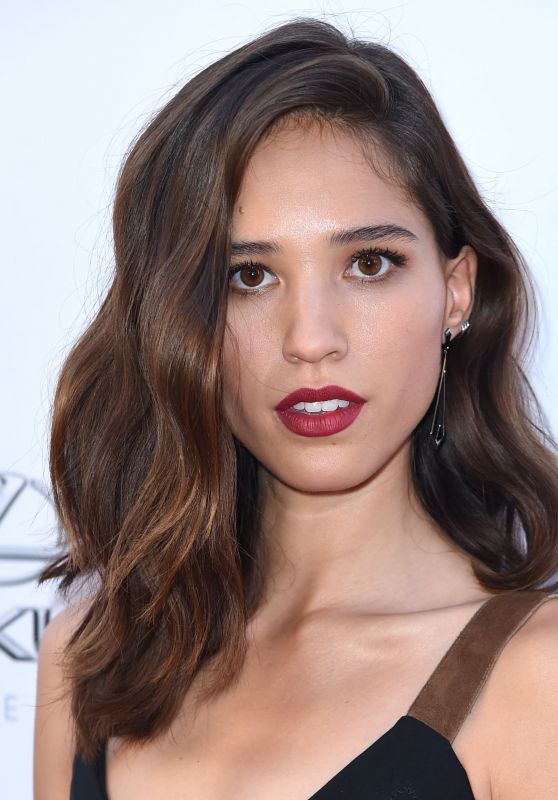 "Kelsey Chow – ""Wind River"" Premiere in Los Angeles 07/26/2017"