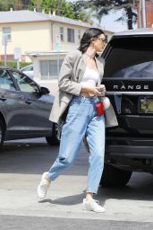 Kendall Jenner  – Pumps Gas Into Her in the 90210, Beverly Hills 07/15/2017