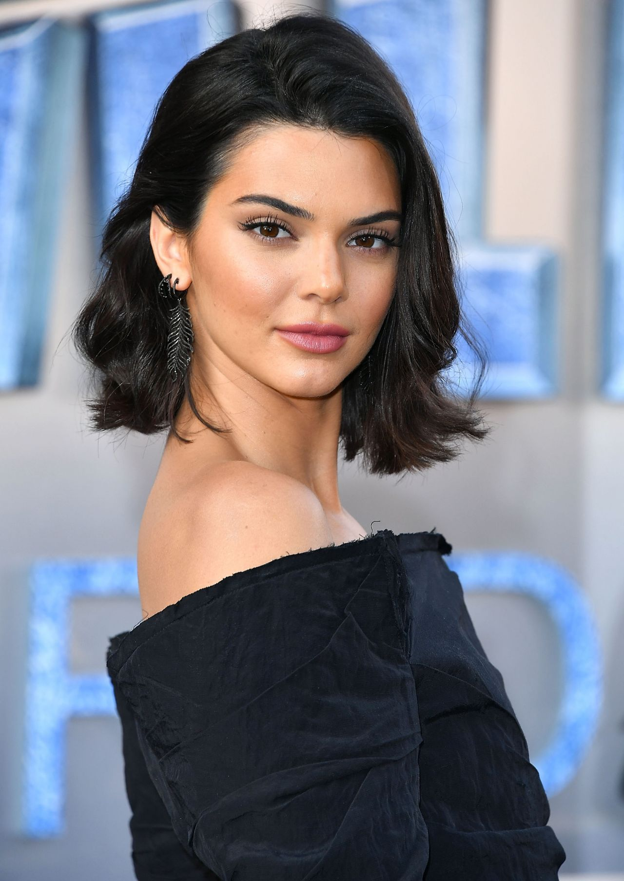 "Kendall Jenner Caviar Kaspia Dinner After Pharmacy Stop: ""Valerian And The City Of A Thousand"