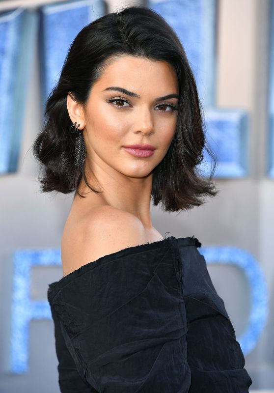 """Kendall Jenner – """"Valerian and the City of a Thousand Planets"""" Premiere in Hollywood 07/17/2017"""