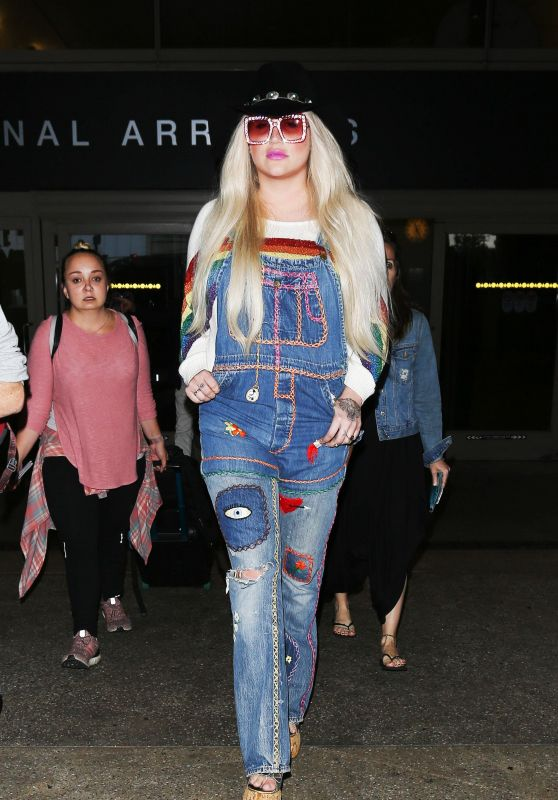 Kesha - LAX in Los Angeles 07/05/2017