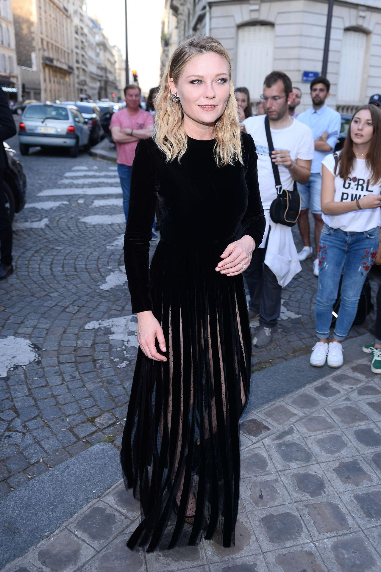 Kirsten Dunst – Vogue Party at Paris Fashion Week 07/04/2017