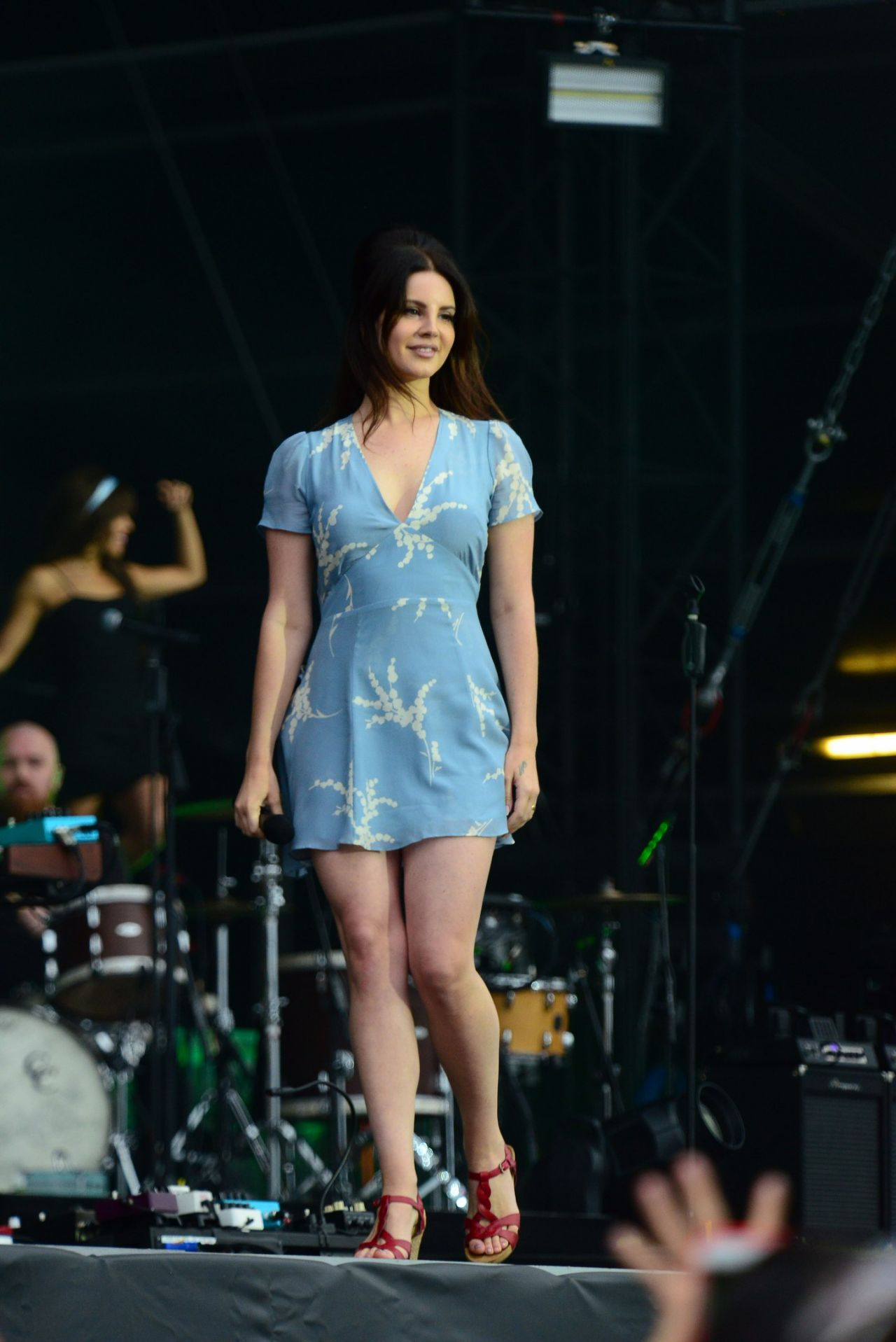 Lana Del Rey Performs Live At Lollapalooza Paris 07 23 2017