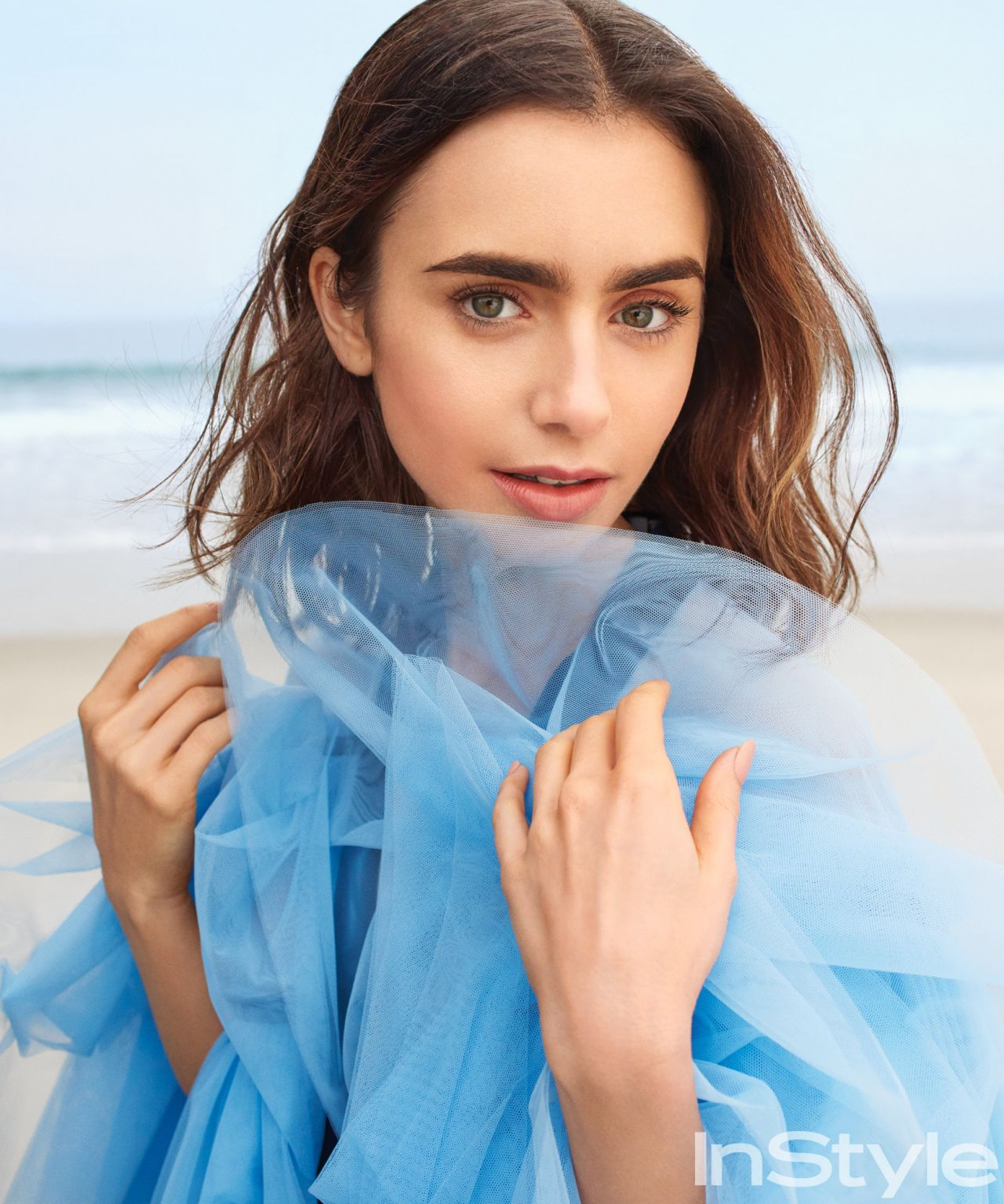 Lily Collins - Photosh...