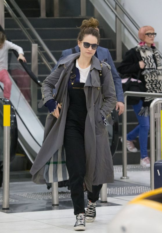 Lily James Travel Outfit - Arrives into Melbourne Airport 07/13/2017