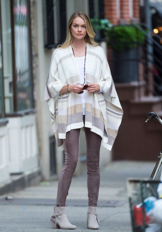 Lindsay Ellingson – Photoshoot in the West Village 06/27/2017