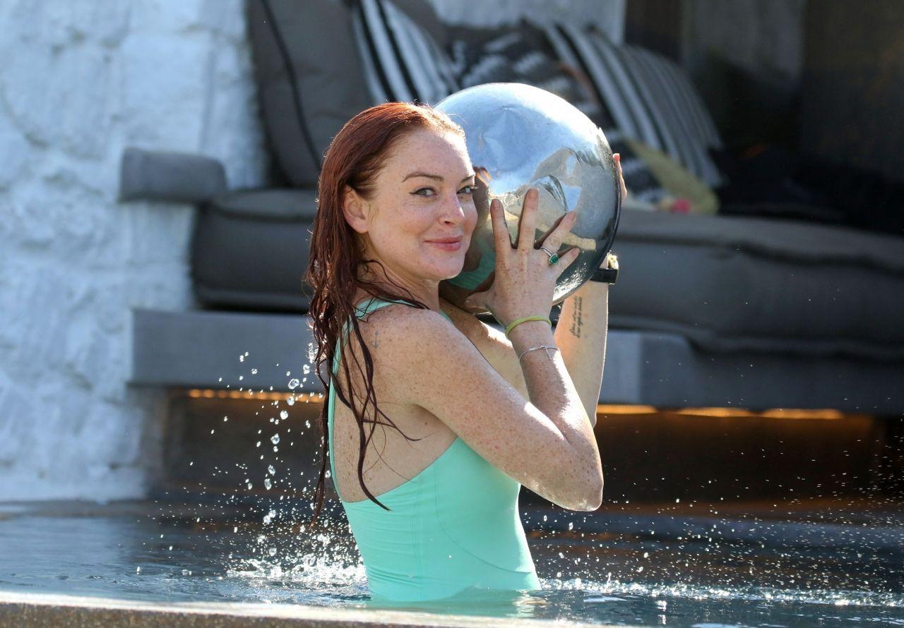 Lindsay Lohan in a Pool in Mykonos 07/24/2017 Lindsay Lohan 2017